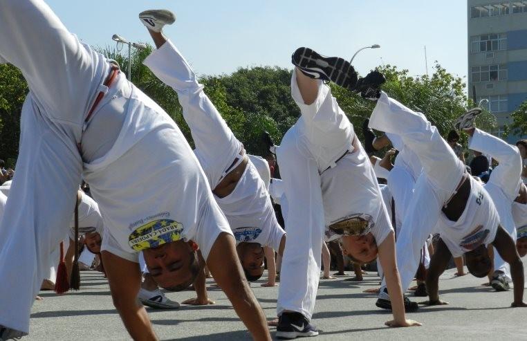 Portal Capoeira Iê dá volta ao mundo camará! Publicações e Artigos