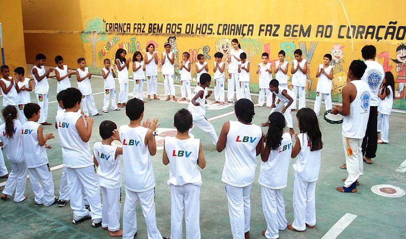 Portal Capoeira Aulas de capoeira auxiliam na educação de jovens da LBV Cidadania