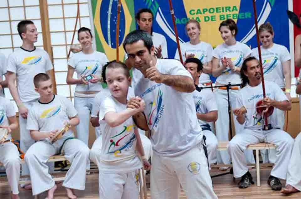 Portal Capoeira Capoeira também ajuda na melhoria das notas Cidadania