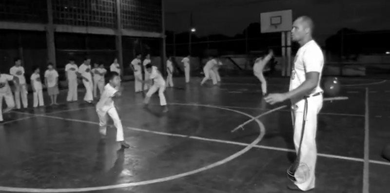 Portal Capoeira MS: Professor de Campo Grande ensina a capoeira em projeto comunitário Cidadania