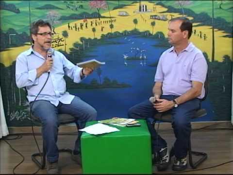 Jornalista lança livros de capoeira no Museu Capixaba