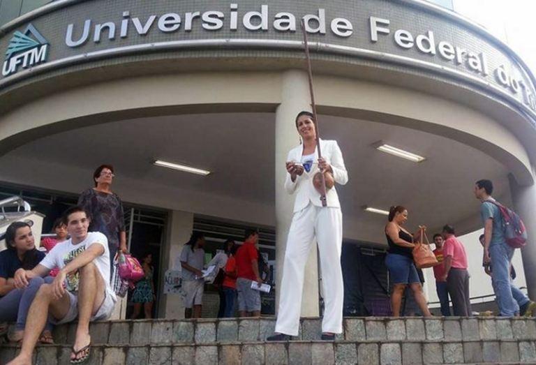 "Portal Capoeira Beleza e Feminilidade na ""Roda de Saberes"" em Uberaba Capoeira Mulheres"