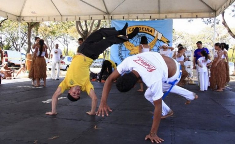 Portal Capoeira Programa antidrogas da PM promove atividades com pais e filhos Cidadania