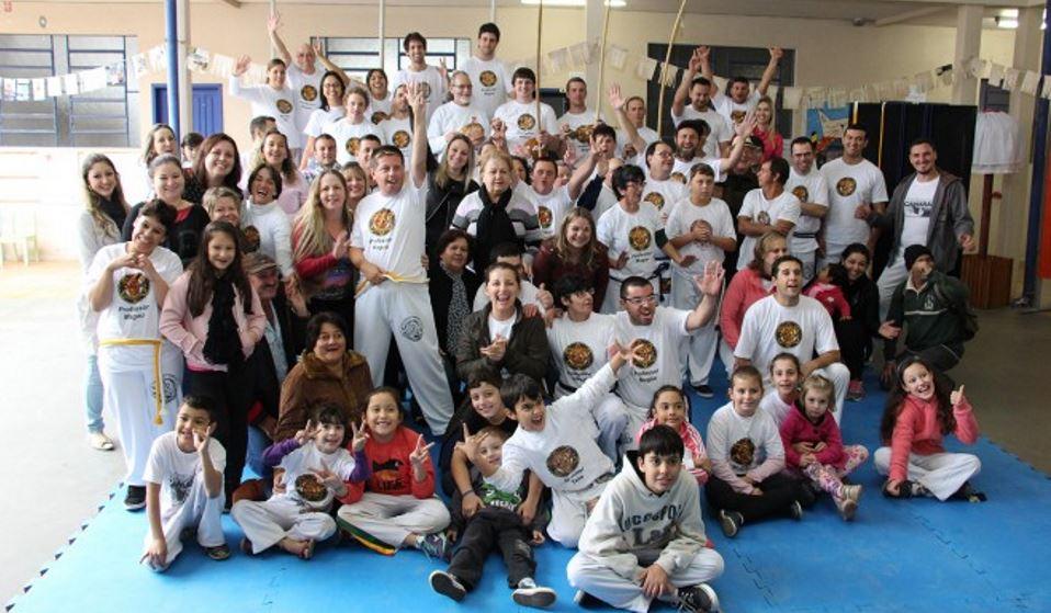 Brusque: APAE & Capoeira