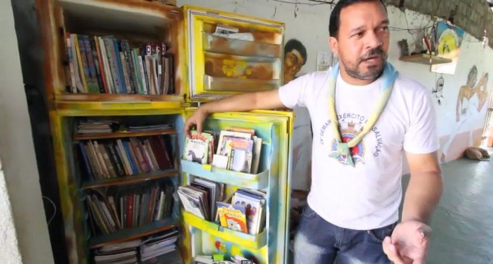 Portal Capoeira Projeto transforma geladeiras velhas em bibliotecas Cultura e Cidadania