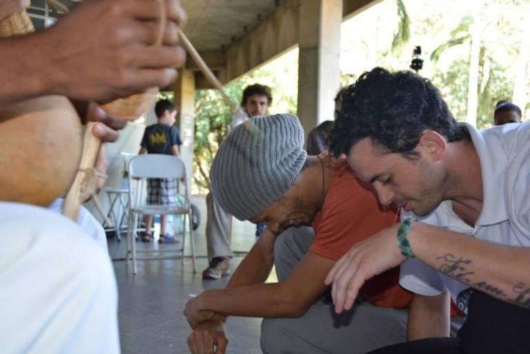 Portal Capoeira Vadiando Entre Amigos: Rio, Europa e São Paulo O Capoeireiro