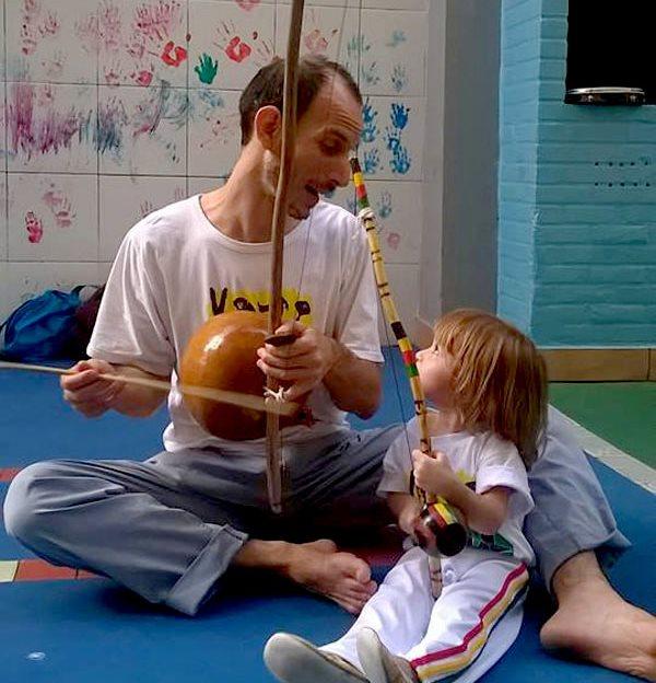 Portal Capoeira A CAPOEIRA COMO PRÁTICA EDUCATIVA TRANSFORMADORA