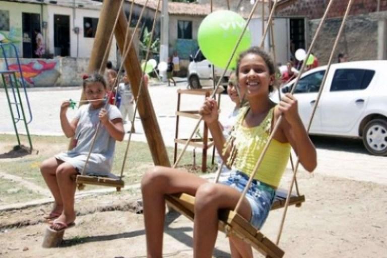 """Portal Capoeira """"Enculturando na Praça"""" levará cinema, dança e capoeira à comunidade do Carminha Cultura e Cidadania"""