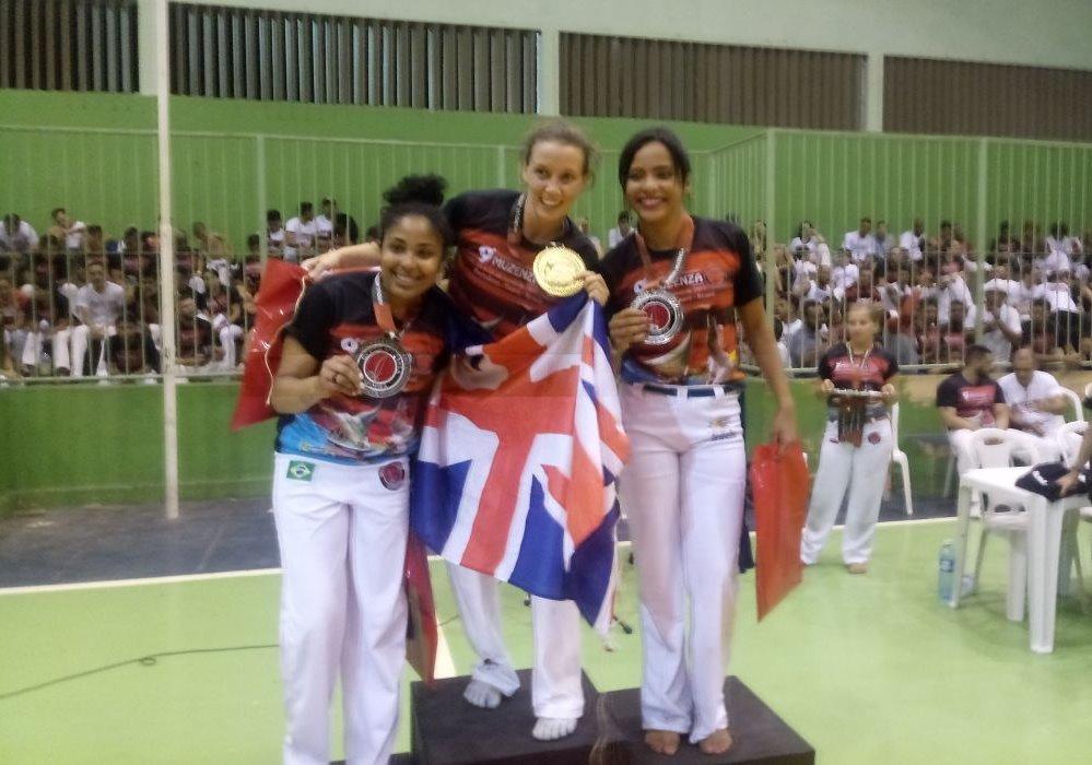 Boneca, capoeirista piauiense é destaque em competição mundial Capoeira Mulheres Portal Capoeira