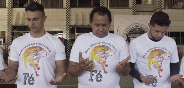 """""""Capoeira Gospel"""" cresce e gera tensão entre evangélicos e movimento negro"""