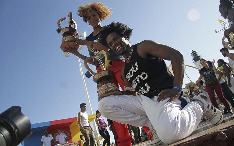 Portal Capoeira Bibinha e Gugu Quilombola, conquistam título do Red Bull Paranauê Capoeira Eventos - Agenda