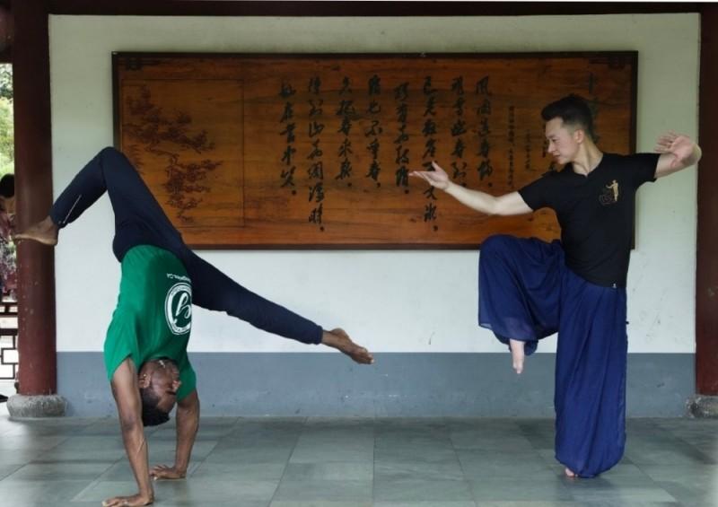 Conexão China – A capoeira encontra o kung fu