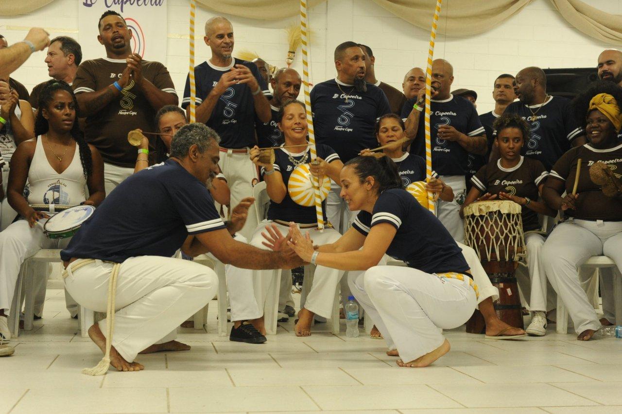 Portal Capoeira O LUGAR (IN)COMUM DA MULHER NA CAPOEIRA Capoeira Mulheres