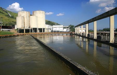 Água: uma crise de gestão, transparência e confiança