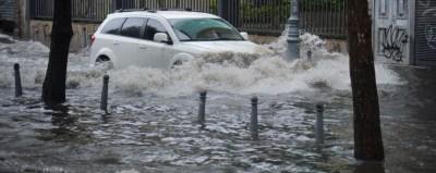 Enchentes cariocas: uma luz no fim do túnel extravasor