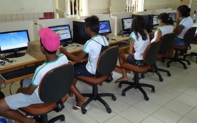 Governo nega internet a estudantes pobres