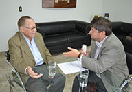 Eurípedes Junqueira: Ex-prefeito visita o jornal Contexto e conta a sua história ao jornalista Vander Lúcio Barbosa