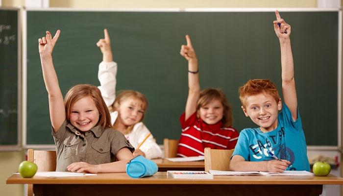 Niños atendiendo las clases muy contentos