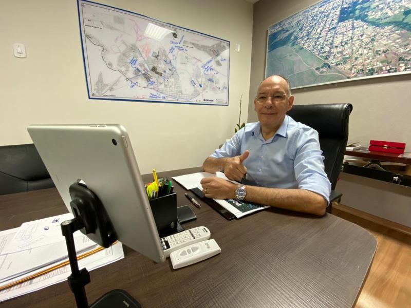 Hélio Peluffo destaca competência da equipe em seminário de gestão