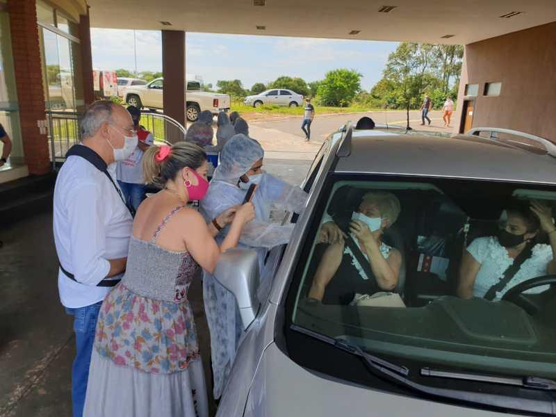 Prefeitura distribuiu 2 mil doses de vacina no sábado