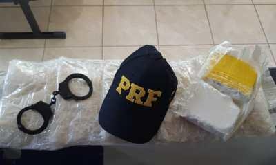 Mulher é presa pela PRF com cocaína peruana dentro de ônibus na BR-364