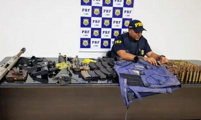 PRF apreende arsenal de guerra, explosivos e coletes à prova de balas na BR-364