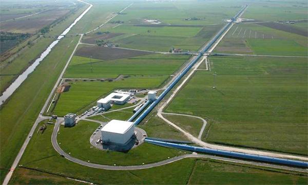 LIGO e Virgo detetam em conjunto sinais de ondas gravitacionais da colisão de dois buracos negros