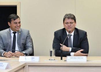 MINISTRO DA INFRAESTRUTURA VEM AO AMAZONAS PARA ASSINAR ORDEM DE MANUTENÇÃO DA BR-319