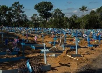 Prefeitura registra 38 sepultamentos nesta sexta-feira, nenhum por covid