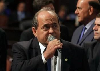 """SUPLENTE DE FLORDELIS É ALVO DE OPERAÇÃO CONTRA """"RACHADINHA"""""""