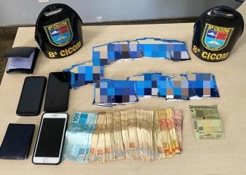 POLÍCIA MILITAR DETÉM TRÊS ENVOLVIDOS EM CRIME ELEITORAL NO BAIRRO COMPENSA