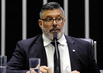 Frota pagará R$ 60 mil a Caetano por chamá-lo de pedófilo