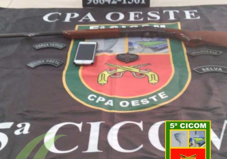 Polícia Militar detém homem por porte ilegal de arma de fogo no porto do São Raimundo