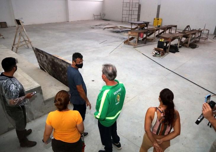 'Temos um leque de inaugurações a fazer', diz prefeito ao passar o Natal verificando obras em fase de conclusão