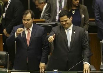 14 senadores divulgam carta contra reeleição de Maia e Alcolumbre