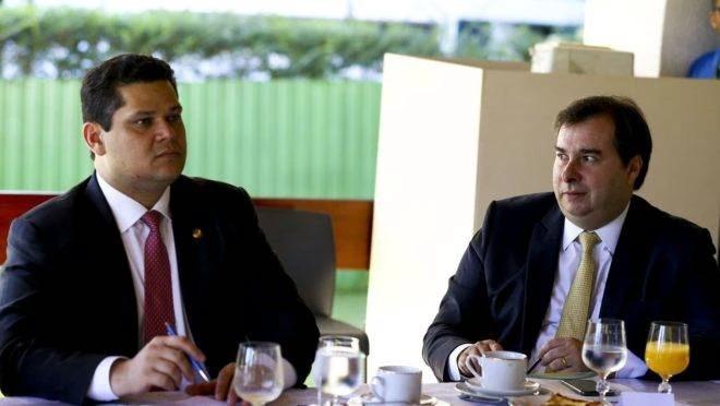 STF barra reeleição de Rodrigo Maia e Davi Alcolumbre