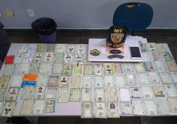 Polícia Militar prende idoso suspeito de estelionato com mais de 84 documentos falso