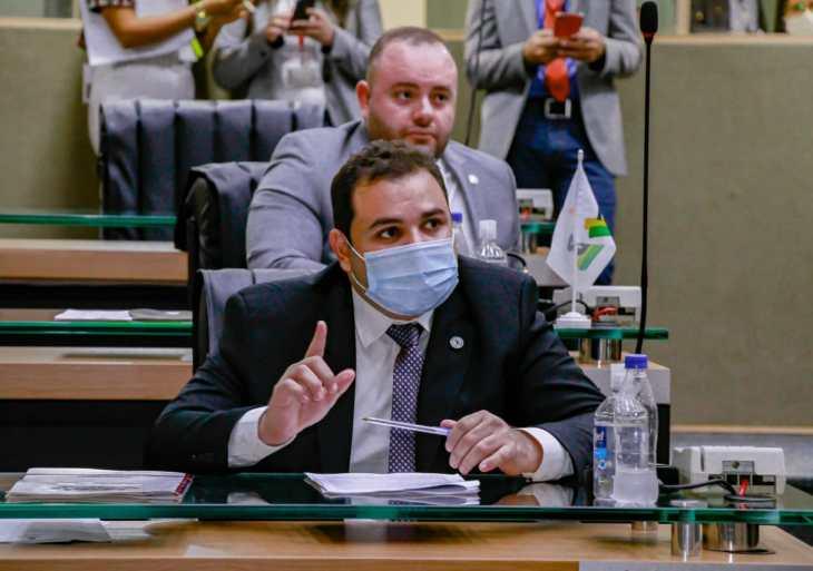 Roberto Cidade destaca emendas apresentadas à LOA para a compra de vacinas contra a Covid-19