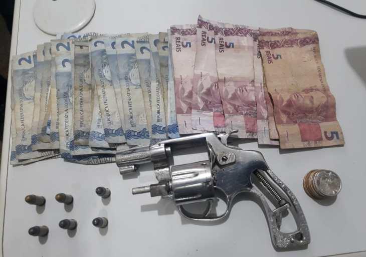 Polícia Militar detém homem com arma de fogo em estabelecimento comercial em Novo Airão