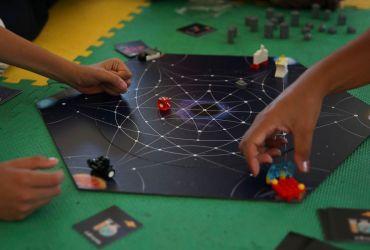 A Abrace, uma associação de assistência social a crianças e adolescentes com câncer e doenças hematológicas, em parceria com o Centro Universitário do Distrito Federal, lança jogos para divertir e conscientiza crianças com câncer.