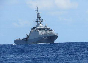 Marinha e PF apreendem barco com cocaína na costa de PernambucoO