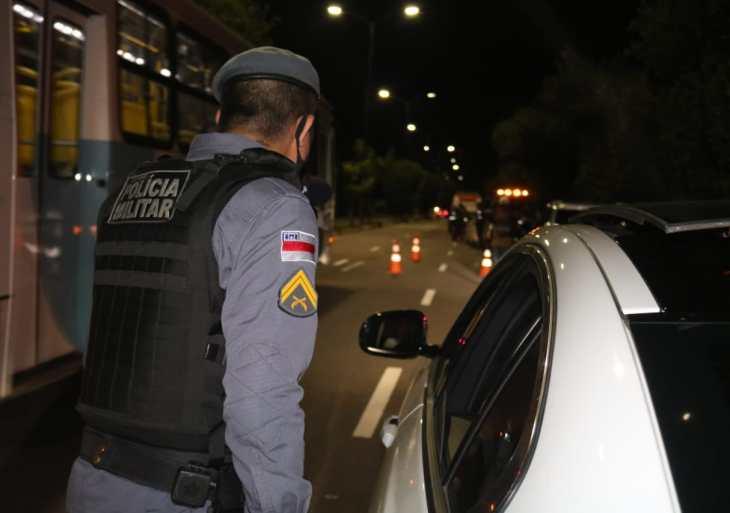 Durante 'Operação pela Vida', Detran-AM apreende veículo com drogas na Ponta Negra