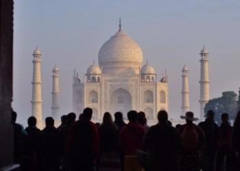 Índia: Queda de casos de Covid espanta especialistas