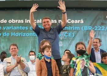 """Bolsonaro: Lockdown é """"politicalha"""" e quem adotar terá que bancar auxílio"""