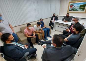 Daniel Vasconcelos reúne com aprovados em concurso da Semef que reivindicam nomeação