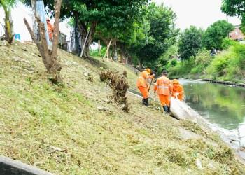 Prefeitura intensifica ações de limpeza nos rios e igarapés