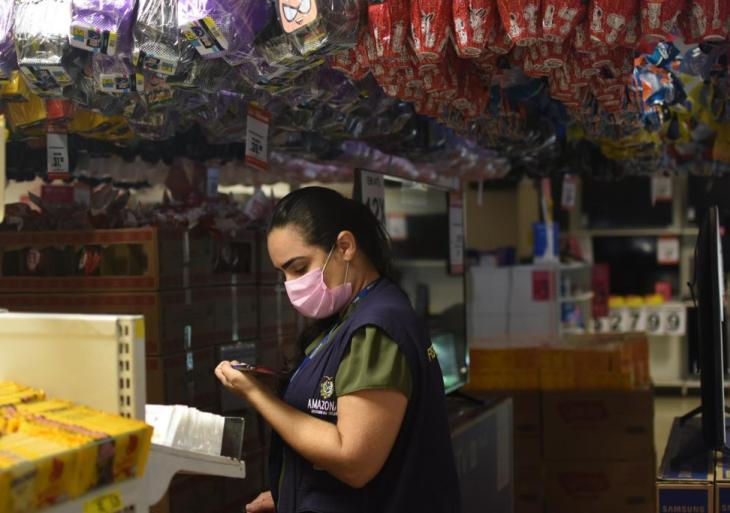 Pesquisa do Procon-AM aponta variação de até 69,67% em preços de chocolates em Manaus