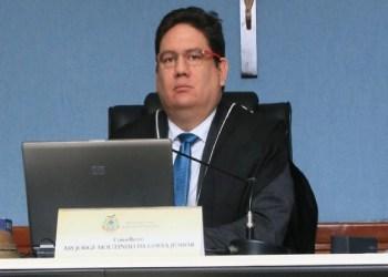 Ari Moutinho, conselheiro do TCE AM, é absolvido pelo STJ após xingamentos em audiência