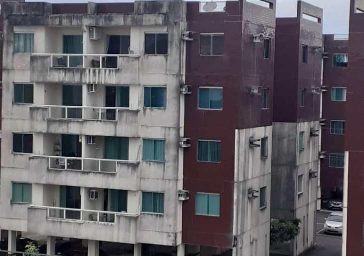 Moradores de condomínio denunciam irregularidades em prédios