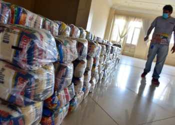 Secretaria de Cultura e Economia Criativa entrega mais 200 cestas básicas para artistas e técnicos